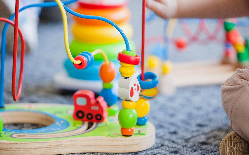 Igra z otroci dela čudeže